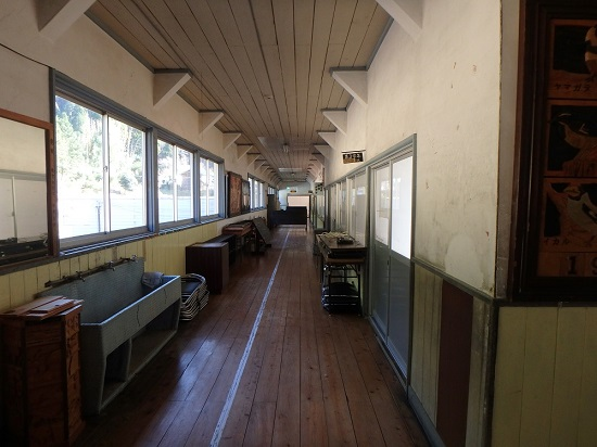 旧影石小学校