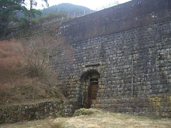 東洋のマチュピチュ「別子銅山跡地」東平貯鉱庫跡