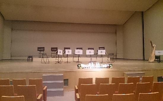 ズーラシアンブラス「音楽の絵本」のコンサート会場