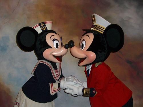 クルーズ衣装のミッキーとミニー