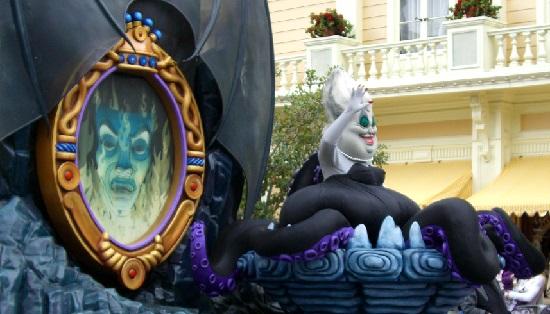 白雪姫の魔法の鏡・アースラ