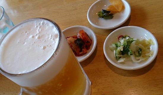 とりの助の無料の漬物と生ビール