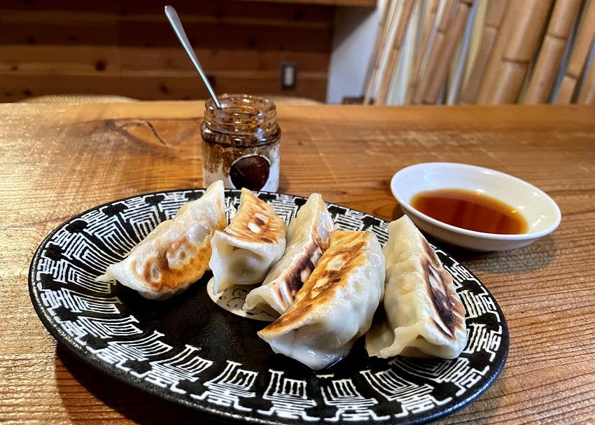台湾料理「花とら」餃子
