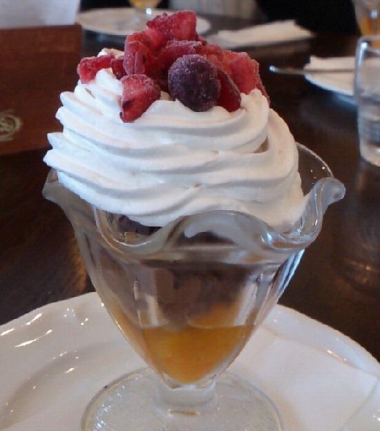 モンレーヴカフェのデザート(パフェ)