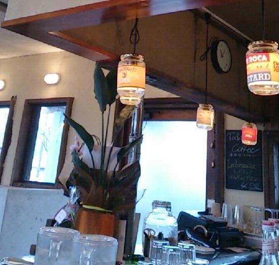 カフェロカ(CAFE ROCA)の店内
