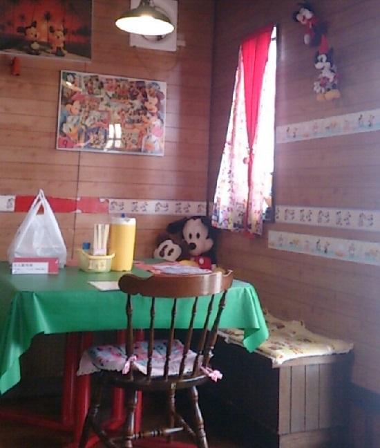 ライスハウスのテーブル