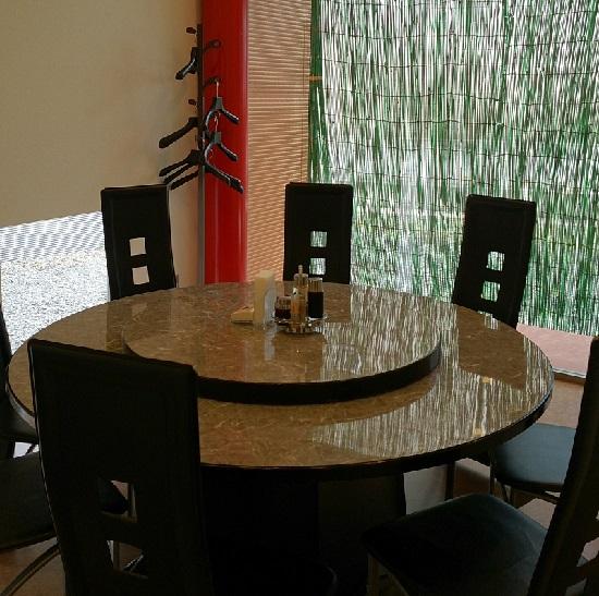 中華料理(快謝謝)のテーブル