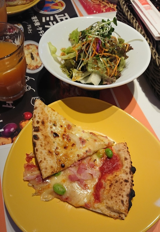 リトファンイタリアーノのピザ食べ放題ランチ