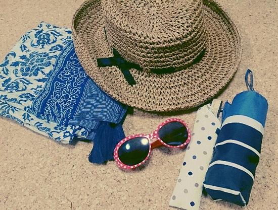 扇子・麦わら帽子・傘・サングラスなど日よけグッズ