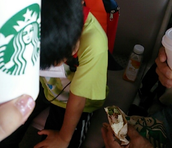 上海浦東国際空港(上海空港)のスターバックスコーヒー