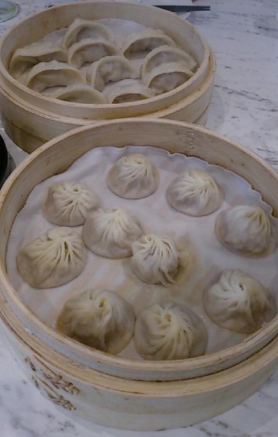 シンガポールの鼎泰豐(ディンタイフォン)の小籠包と餃子