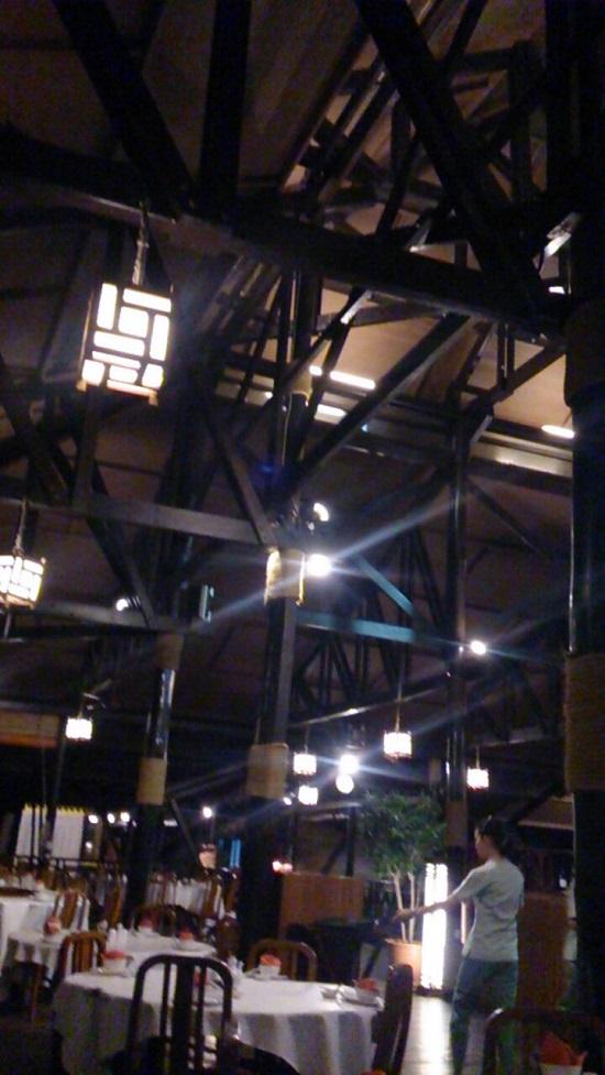 ビンタン島(インドネシア)ケロンレストランの店内