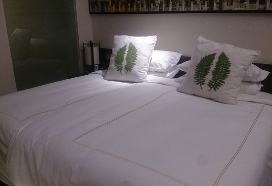 ラマダシンガポールホテル(Ramada Singapore at Zhongshan Park)のベッド