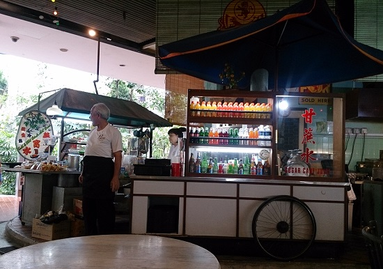 シンガポールフライヤーのビルにあるシンガポールフードトレイル