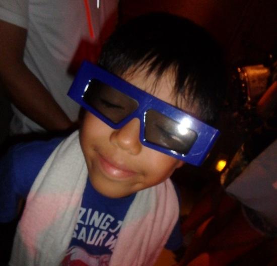 ユニバーサルスタジオ シンガポールのトランスフォーマー・ザ・ライドで使うメガネ