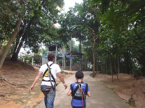 シンガポールセントーサ島でメガ・アドベンチャーパーク(旧メガジップ)