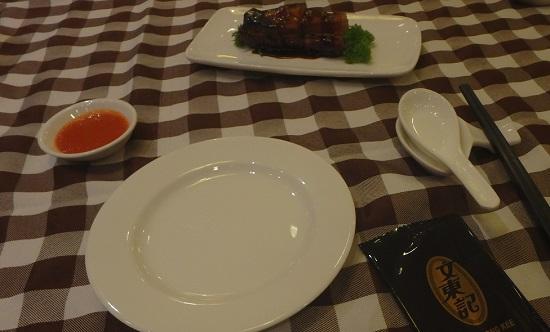 シンガポールの文東記(ブントンキー)本店のテーブルセット