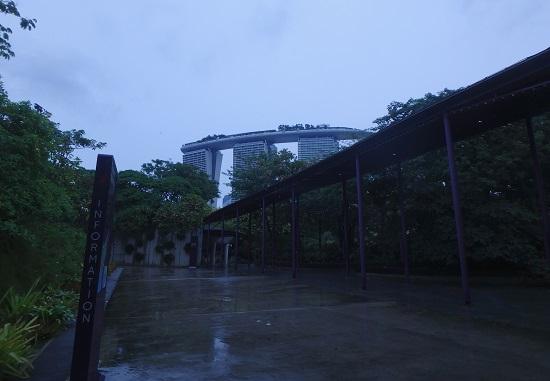 ガーデンズバイザベイからみたマリーナベイサンズシンガポール