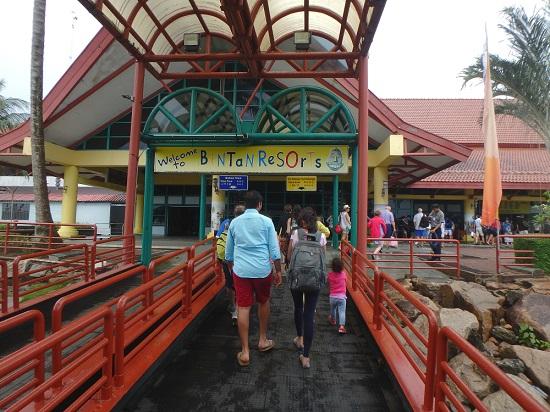 ビンタン島のバンタルベンタンテラニフェリーターミナル
