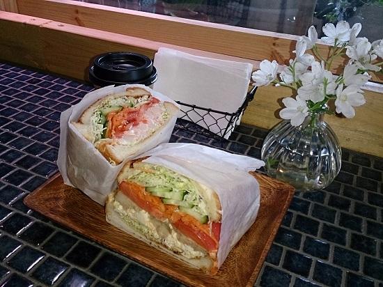 はなうりカフェのランチ(サンドイッチ)