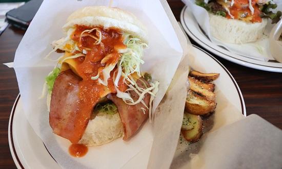 グリーンデイズカフェ (GREEN DAYS CAFE)のバーガーランチ