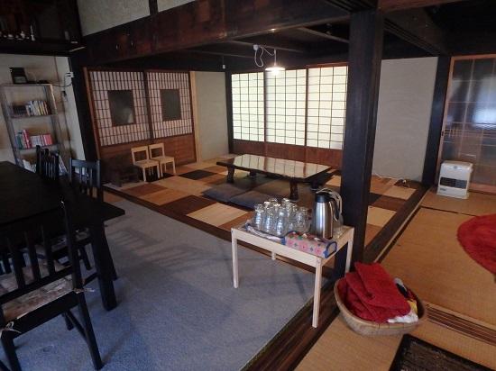 古民家カフェ「おおきな木」の店内