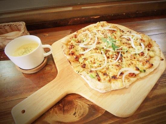 BRC(ボンズランプカフェ)のピザ