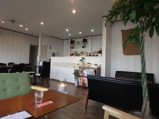 AKALACAFE(アカラカフェ)店内