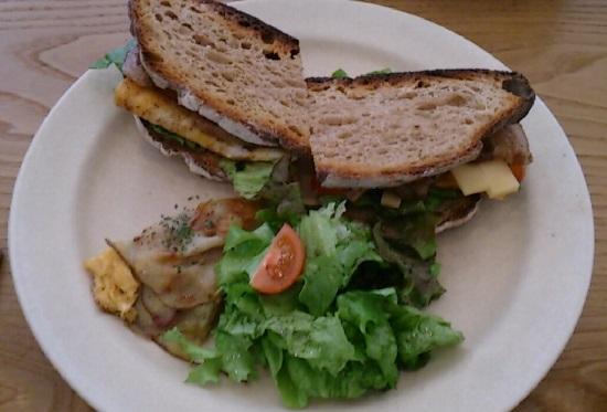 ジビエ料理が食べれるフレル食堂のランチ