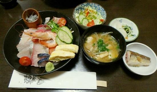 幸村(ゆきむら)の海鮮丼ランチ