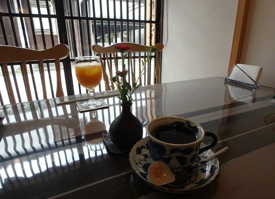 お茶処紬(つむぎ)のドリンク(カフェ)