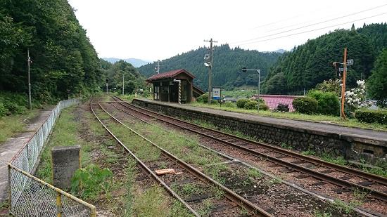 因美線那岐駅のホーム
