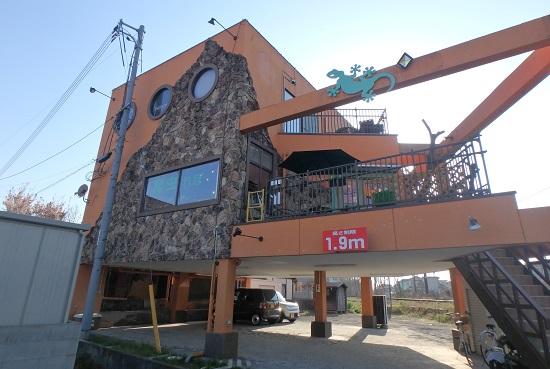 爬虫類カフェ「爬虫れぼ」倉敷市の外観