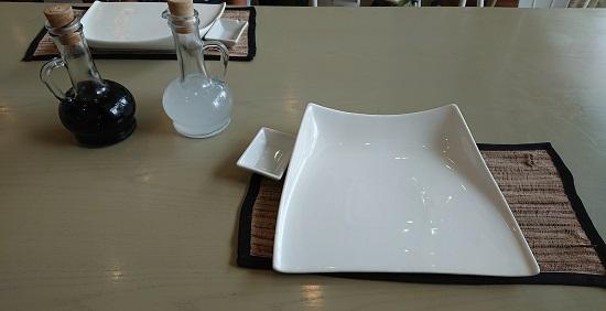 GoldenCowrie(ゴールデンカウリー)セブのテーブルセット