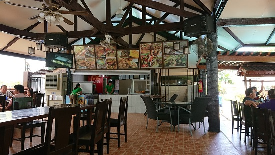 アカシアグリルレストランCarcar Acacia Grill Restaurant店内