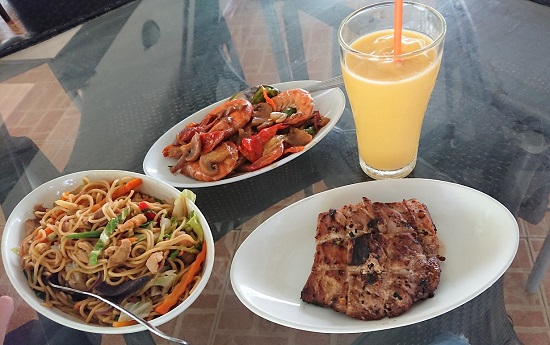 アカシアグリルレストランCarcar Acacia Grill Restaurantのフィリピン料理