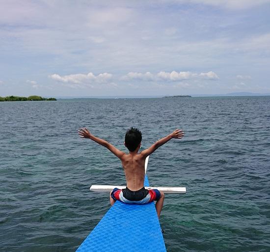 パンダノン島(Pandanon Island)のボート