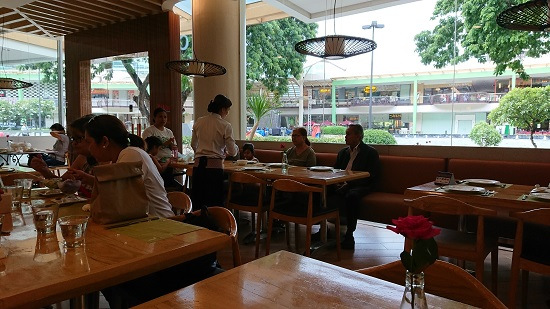 Cafe Laguna(カフェラグーナ)セブの店内