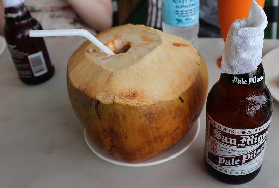 KKD STK+BBQ(セブ)のFresh Buko Milk(フレッシュ ブコ ミルク)ココナツ