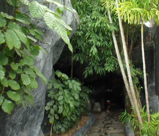 Plantation Bay Resort And Spaプランテーションベイリゾートホテルのスライダーの階段