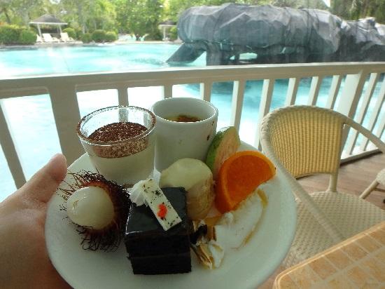プランテーションベイリゾートホテルのキリマンジャロカフェのデザート