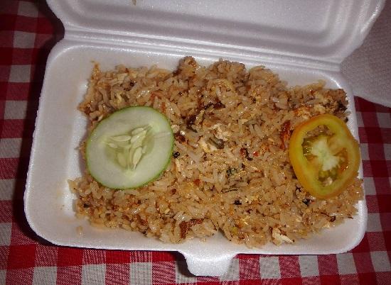 Sugbo Mercadoスグボメルカド(スボマカド)のトムヤムライス(tom yum rice)