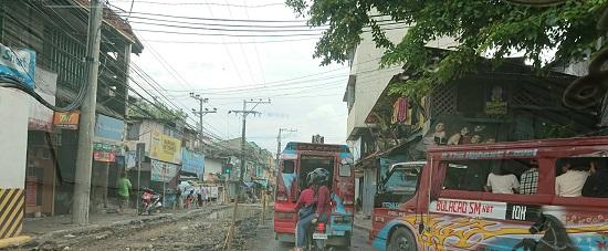 セブ島コロン地区の道路