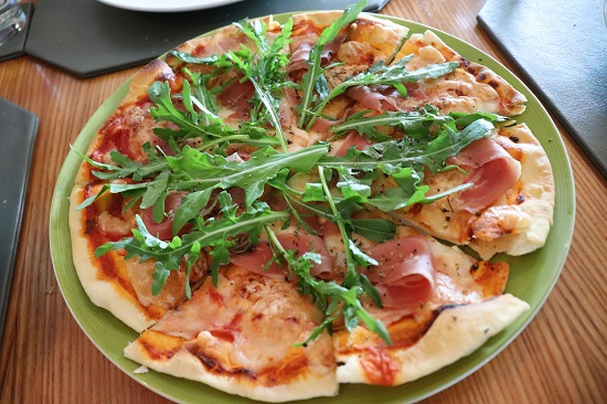 Anzani(アンザニ)セブのピザ