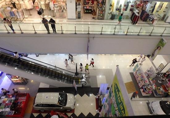 Jセンターモール(JCENTRE Mall)の店内