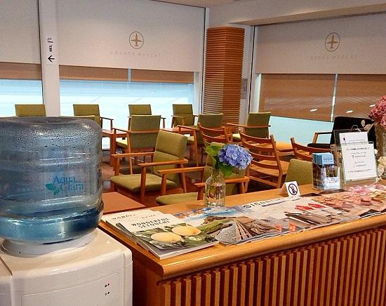 岡山空港マスカットラウンジの座席