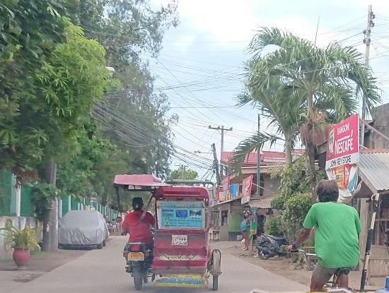トゥクトゥク:トライシクル(Tricycle)