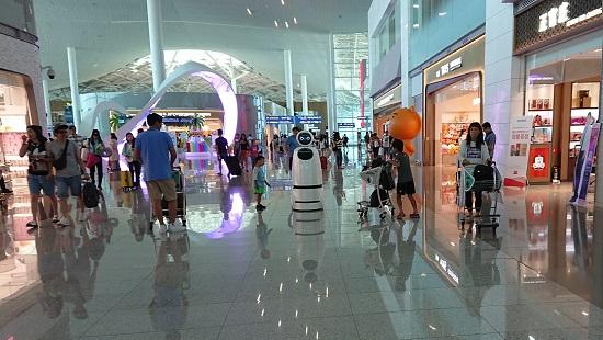 仁川空港(インチョン空港)第2ターミナルの通路
