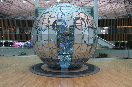 仁川空港(インチョン空港)第2ターミナルのオブジェ