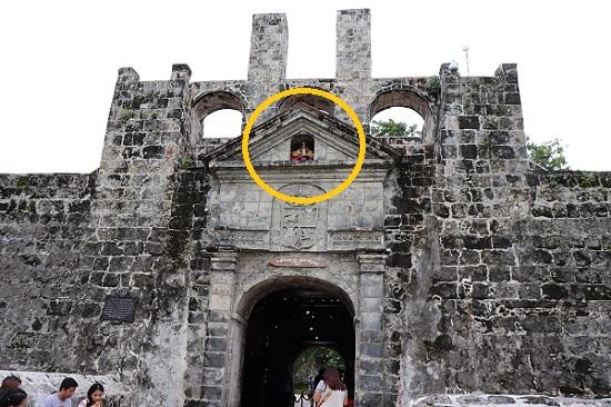 サンペドロ要塞(Fort San Pedro)サントニーニョ像